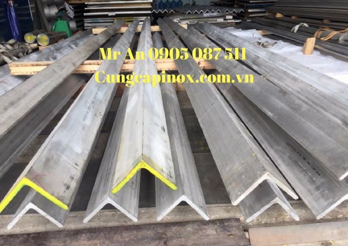 Supply stainless steel angle 304, 100 x 100 x 10 x 6000 /No1